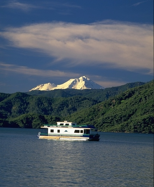 Shasta Lake Houseboat