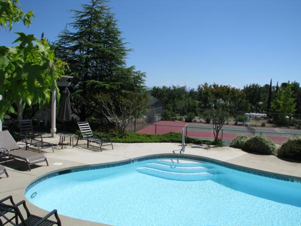 The Knolls - Redding CA - Pool & Tennis