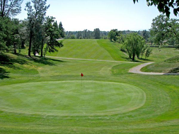 gold-hills-golf-course-18g