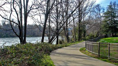 redding-sacramento-river-trail-1