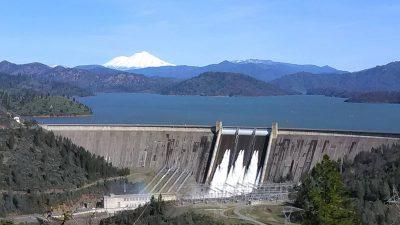 shasta-dam-lake-mountian