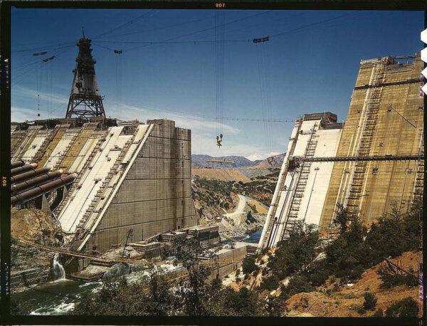 shasta-dam-under-construction